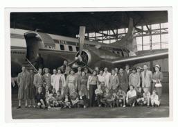 Photo (18 X 13 Cm) Passagers Devant Un Avion DC...? De La KLM   - Oldtimer (sf110) - Aviation