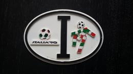"""CALCIO - TARGHETTA OVALE IN PLASTICA 12X8,5 - """"ITALIA '90"""" - Apparel, Souvenirs & Other"""