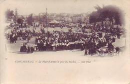 29 Concarneau - La Place D'Aemes Le Jour Du Pardon - Concarneau