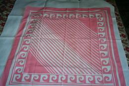"""Foulard  Vintage En  Coton Rose """"P Cardin"""" - Scarves"""
