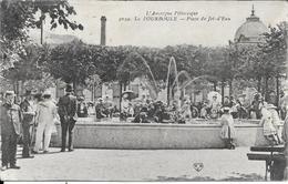 PLACE DU JET DEAU - Auvergne Types D'Auvergne