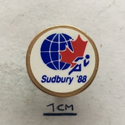 Badge (Pin) ZN004439 - Athletics World Junior Championship Canada Ontario Sudbury 1988 - Athlétisme