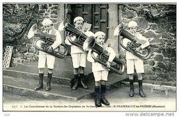 53 - Les Contrebasses De La Fanfare Des Orphelins De St Georges De L'Isle - St- FRAIMBAULT De PRIERES (Mayenne) - France