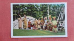 Ready For The Big Indian Pow Pow --- Ref 2476 - Indiens De L'Amerique Du Nord
