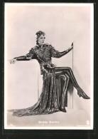 CPA Acteur De Cinéma Greta Garbo In Einem Prächtigen Kleid - Acteurs