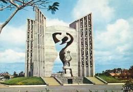 TOGO - Lome - Le Monument De L´Indépendance - Togo