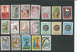 TUNISIE Lot D Timbres Neufs SANS Charniere (18) ** Cote 11,00$ 1956-66 - Tunisie (1956-...)