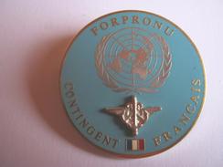 INSIGNE ARMEE DE TERRE OPEX FORPRONU COMMANDEMENT DU CONTINGENT FRANCAIS (VARIANTE BLEU PALE) ETAT EXCELLENT FIA - Armée De Terre