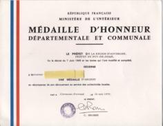 MILITARIA  -  MEDAILLE D'HONNEUR DEPARTEMENTALE ET COMMUNALE - Diplome - Décoration - 1979 - France