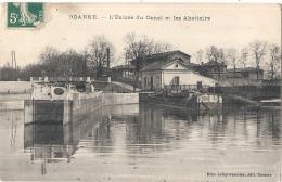 Roanne L'écluse Du Canal Et Les Abattoirs TTB - Roanne
