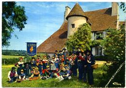 """03 - Bourbonnais ; """" La Chavanée D'Montbel """" ; Château -le-Veurdre. - Vestuarios"""