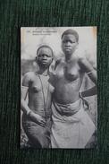 Jeune Féticheuses - Guinée
