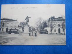 LOIRE ATLANTIQUE   44    NANTES  -  LA PLACE DU Gal.   MELLINET    -   TRAMWAYS     ANIME   TTB - Nantes