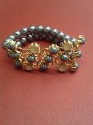Bracellet Ancien De Madre Perle Gris  - Largeur 7cm De Plaque Or De Bonne Qualité - Bracelets