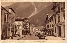 "CHAMONIX MONT-BLANC L'AVENUE DE LA GARE ""SOCIETE GENERALE"" - Chamonix-Mont-Blanc"