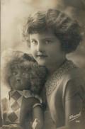 BAMBINA   DEL  PASSATO  CON  BAMBOLA (TARGHETTA SIGARETTE  SAVOIA-EVA )        2 SCAN   (VIAGGIATA) - Portraits