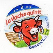 Fev17    8 AA 19   étiquette Vache Qui Rit    8 Portions   Fabriqué Dans Le Jura - Käse