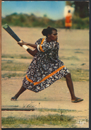 °°° 484 - NEW CALEDONIA - WOMAN PLAY CRICKET - 1977 With Stamps °°° - Nuova Caledonia