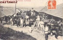 PONTARLIER AU CAMP DES PAREUSES LE PANSAGE CASERNE CAVALIERS CHEVAUX CAVALERIE GUERRE 25 DOUBS - Pontarlier