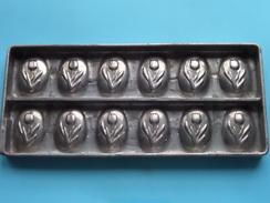 CHOCOLADEVORM / MOULE - CHOCOLAT MOLD - PRALINE ( Form. 23,5 X 10 Cm - 531 Gr. / Vintage / Zie Foto´s ) ! - Autres Collections