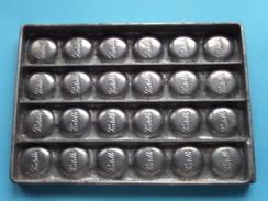 CHOCOLADEVORM / MOULE - CHOCOLAT MOLD - PRALINE Pastille ( Form. 20,5 X 14,5 Cm - 568 Gr. / Vintage / Zie Foto´s ) ! - Autres Collections
