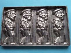 CHOCOLADEVORM / MOULE - CHOCOLAT MOLD ( Sailor / Matroos Matelot ) Form. 26,5 X 16 Cm - 597 Gr. / Vintage / Zie Foto´s ! - Autres Collections