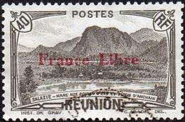 Réunion Obl. N° 192 - Vue -> Salazie, Mare Aux Poules D'eau Et Piton D'Auchain 40 Cts Brun-noir Surchargé France Libre - Réunion (1852-1975)