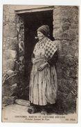 Bretagne--Coutumes, Moeurs Et Costumes Bretons -Femme Fumant La Pipe --n° 374 éd ND Phot...à Saisir - Bretagne
