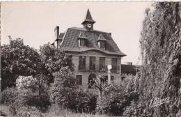 Les Clayes Sous Bois 78 - Mairie Et Jardins - 1956 - Les Clayes Sous Bois