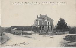 35130 - Visseiche - Les Routes De Martigné-Ferchaud Et De Marcillé-Robert Et La Mairie -CPA - ÉCRITE - - Altri Comuni