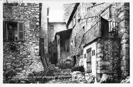 06 - GOURDON : Un Coin Pittoresque - CPSM Photo Noir Et Blanc - Alpes Maritimes - Gourdon