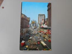 ETATS-UNIS NY NEW YORK CITY TIMES SQUARE   TAMPON PORT INSUFFISANT POUR AVION - Time Square