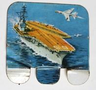 Plaque Métal Huilor Chat L'Entreprise USA 1960 Porte Avions Table De Marine Pays Bas - Plaques Publicitaires