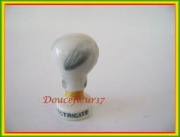 Inventions De L'Homme ... Lot De 3 Fèves .. Ref AFF : 37-2000 ...(pan 006) - History