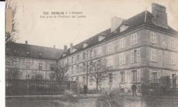 Dep 60 - Senlis - L'Hôpital - Une Vue Prise De L'Intérieur Des Jardins  : Achat Immédiat - Senlis