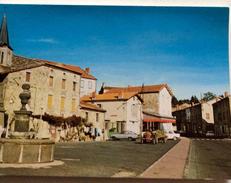 Tracteur  En Auvergne  - Le Vernet La Varenne -  La Grande Place -  Cpsm - Zoom Scan Tracteur - Tracteurs