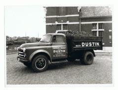 Photo (+/- 18 X 24 Cm) Camion DODGE - Charbons - Mazout Maison DUSTIN - Bruxelles Oldtimer (sf110) - Automobiles
