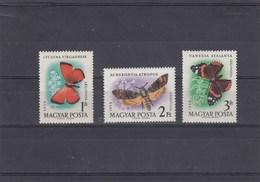 Hongrie - Neufs** - Année 1959 - Papillons Divers - YT PA 228/230