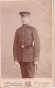 CDV Foto Deutscher Soldat Mit Bajonett Und Handschuhen - Atelier Selle & Kuntze, Potsdam - Ca. 1900 - 9*6cm (27176) - Guerra, Militari