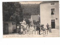 (n°144)  CPA  21 VAL SUZON HAUT Un Coin Du Village 1922 - Autres Communes