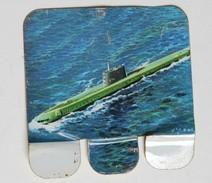Plaque Métal Huilor Chat Le Nautilus USA 1955 Sous Marin Atomique Table De Marine Pays Bas - Advertising (Porcelain) Signs
