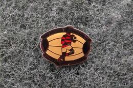 Pin's Rugby A Venir CASTANEEN   N°5608 - Rugby