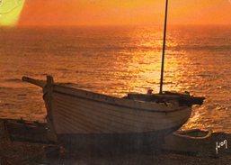 COULEURS ET LUMIERE DE FRANCE - Coucher De Soleis Sur Le Mer - Barche