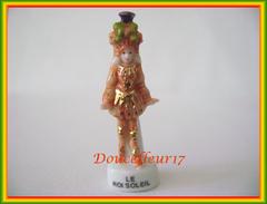 La Cour Du Roi Soleil ... Lot De 2 Feves ... Ref  AFF :113-2005...( Pan 0013) - History
