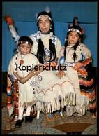 POSTKARTE INDIANER MUTTER MIT IHREN KINDERN MAUSI UND CONNY Indian Indians Indien Feather Headdress Coiffe Cpa AK - Indianer