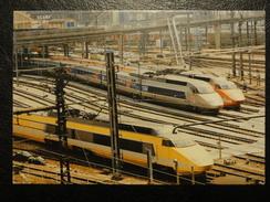 3 TGV Dont La Poste En Gare De Conflans - Trains