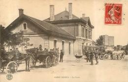SAINT MIHIEL LA  GARE AVEC ATTELAGES - Saint Mihiel