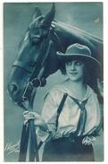 18 - Jeune Dame Et Son Cheval - Cavalli