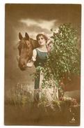 22 - Jeune Dame Et Son Cheval - Cavalli