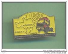 ROUTIER GARDOIS *** Radio Guidage *** 0058 - Pin's & Anstecknadeln
